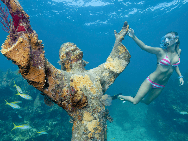 pic of statue which is one of the Fun Facts about the Ocean